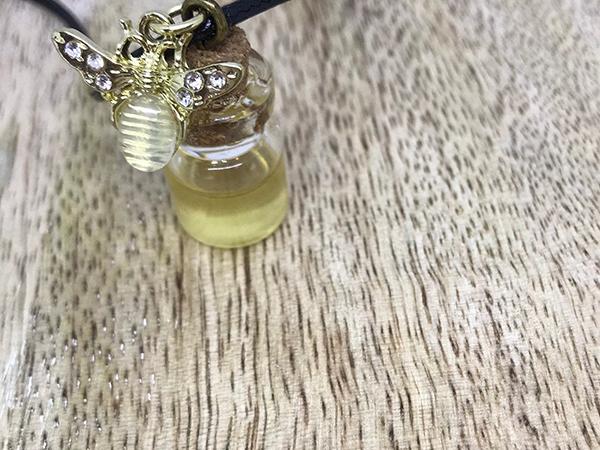 Honey Jar with Bee Charm - Yellow